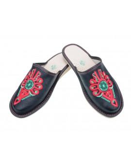 Damskie pantofle haftowane kolorowa parzenica