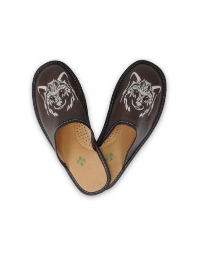 Męskie Skórzane pantofle haftowane - Wilk - Kapcie A5LW