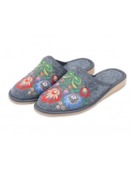 Pantofle filcowe folk motyw kurpiowski - kapcie haftowane