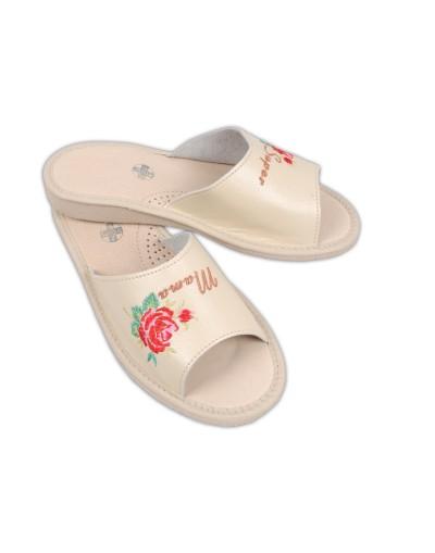 Prezent na Dzień Matki - Pantofle haftowane Super Mama