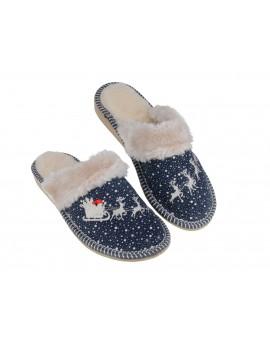 Świąteczne pantofle z Mikołajem ocieplane runem A9M